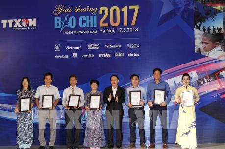 Trao Giải báo chí Thông tấn xã Việt Nam 2017