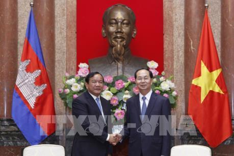 Chủ tịch nước Trần Đại Quang tiếp Bộ trưởng Cao cấp Campuchia Prak Sokhonn