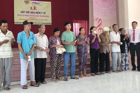 HDBank trao tặng gần 500 thẻ Bảo hiểm y tế cho các hộ nghèo tại Bình Thuận