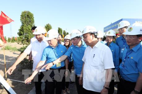 Thủ tướng Nguyễn Xuân Phúc thăm và làm việc tại tỉnh Hà Nam