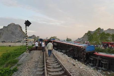 Chuyên gia giao thông nói gì về nguyên nhân tai nạn đường sắt xảy ra liên tiếp?