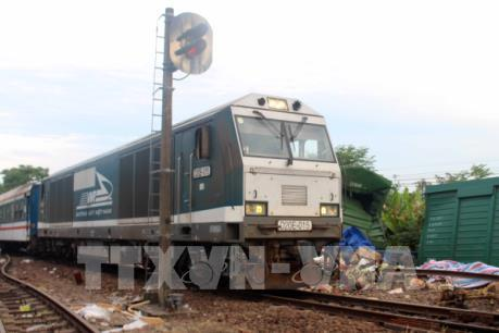 Đã thông tuyến đường sắt Bắc - Nam đoạn qua ga Núi Thành