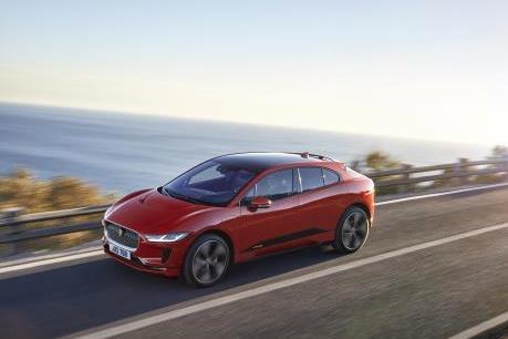 Doanh số bán ô tô điện toàn cầu tăng hơn 50%