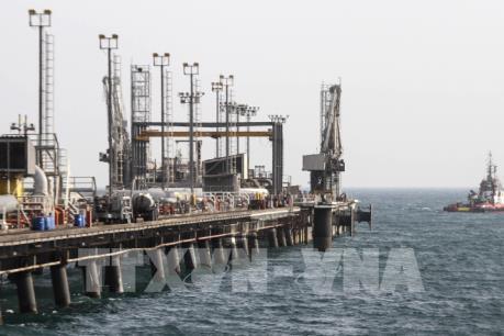 """Lệnh trừng phạt của Mỹ có thể khiến khách hàng mua dầu của Iran """"chùn bước"""""""
