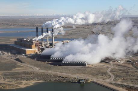 Giới đầu tư kêu gọi lãnh đạo G7 thúc đẩy loại bỏ than đá trong sản xuất điện