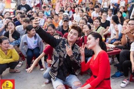 """Giới trẻ Hà Nội ngóng chờ Lễ hội """"Phố Hàng Nóng"""""""