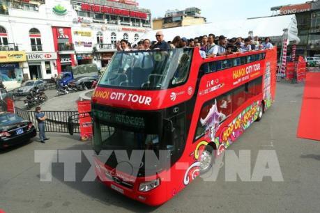 """Hà Nội thử nghiệm buýt """"Night tour"""" phục vụ du khách về đêm"""