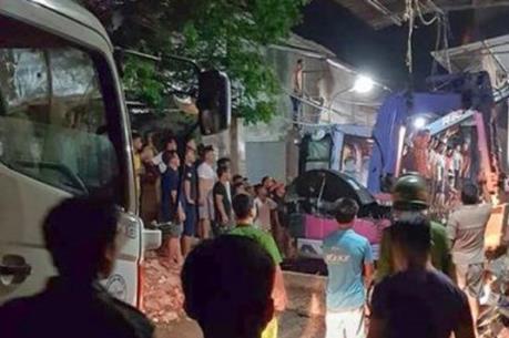 Hà Nội: Điều tra nguyên nhân vụ sập nhà khiến 2 người thương vong