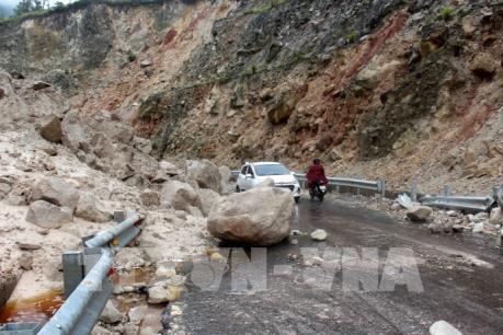 Cảnh báo nguy cơ sạt lở, đá rơi ở huyện vùng cao Sìn Hồ