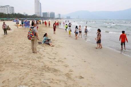 Đà Nẵng triển khai mở các lối xuống biển cho người dân