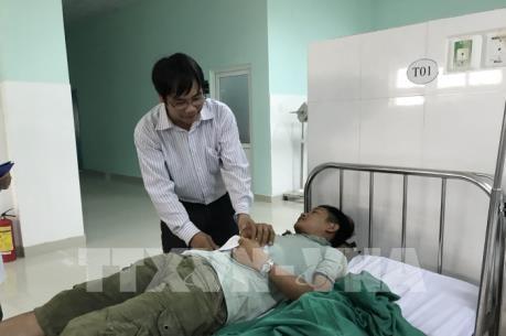 Hỗ trợ kịp thời cho các nạn nhân vụ tai nạn giao thông ở đèo Lò Xo