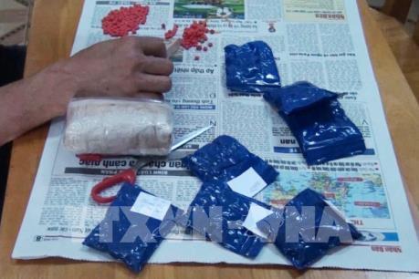 Tóm gọn đối tượng mua bán trái phép khoảng 1 kg ma túy tổng hợp