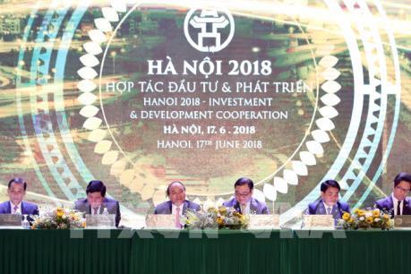 Hà Nội trao quyết định chủ trương, giấy chứng nhận đầu tư cho 71 dự án