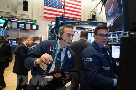 Sắc xanh đỏ đan xen trên các thị trường chứng khoán thế giới