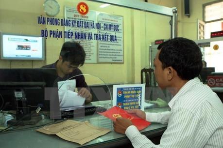 Góp phần hoàn thiện hệ thống pháp luật trong tiếp cận đất đai