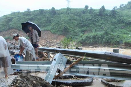Khẩn trương khắc phục sự cố lưới điện do mưa kèm lốc xoáy tại Hà Giang và Lai Châu