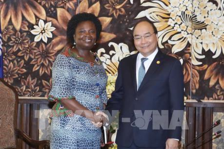 Thủ tướng Nguyễn Xuân Phúc tiếp lãnh đạo WB và ADB bên lề Hội nghị GEF 6