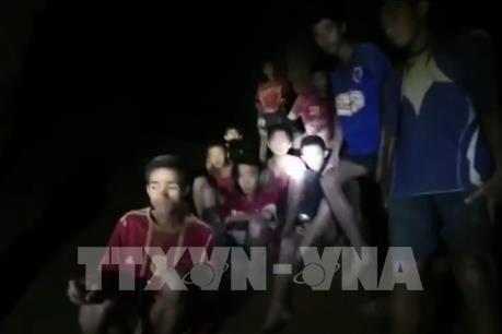 Cần thêm thời gian để đưa đội bóng Thái Lan bị kẹt ra khỏi hang