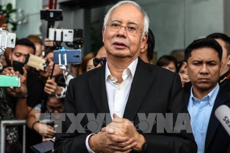 """""""Nóng"""" chủ đề nợ công ở Malaysia"""