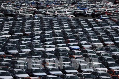 """Các hãng chế tạo ô tô """"tranh thủ"""" xuất khẩu sang Mỹ"""