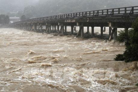Mưa lớn kéo dài tại Nhật Bản đã làm 15 người chết và hơn 50 người mất tích