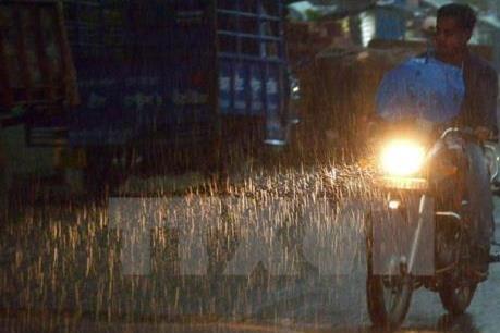Đêm 8/7 các tỉnh Bắc Bộ tiếp tục có mưa, vùng núi đề phòng lũ quét và sạt lở đất
