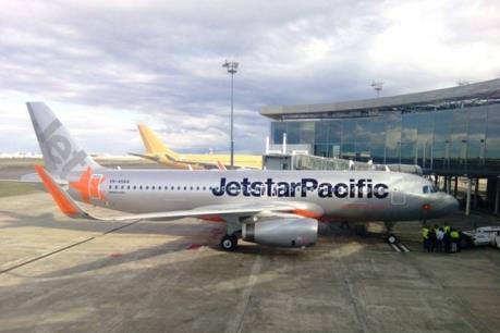 Một máy bay của Jetstar Pacific phải ở lại sân bay Đồng Hới nhiều giờ
