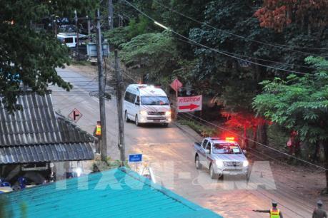 Giải cứu đội bóng thiếu niên Thái Lan: Thêm thành viên thứ 10 được đưa ra an toàn