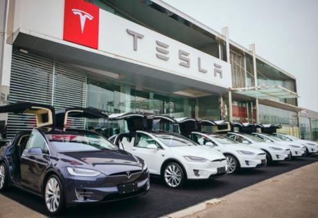 Tesla tăng giá xe do tác động từ cuộc chiến thương mại Mỹ - Trung