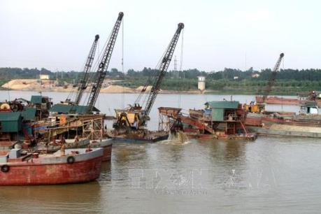 Việc cấp giấy phép cho các bến thủy nội địa ở Phú Thọ: Đụng đâu vướng đó