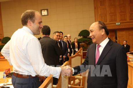 Thủ tướng gặp mặt các diễn giả, doanh nghiệp tham dự Diễn đàn cấp cao Công nghiệp 4.0