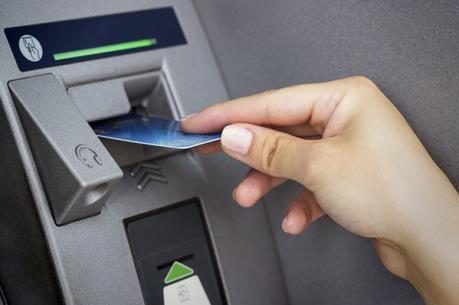 Bộ Công Thương lên tiếng về việc 4 ngân hàng lớn đồng loạt tăng phí rút tiền qua ATM