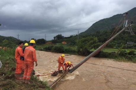 Điện lực miền Bắc khắc phục sự cố sau bão số 3
