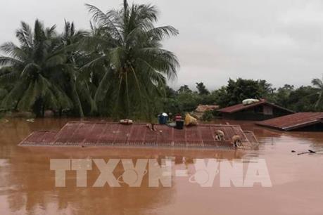 Vỡ đập thủy điện tại Lào: Hàng chục người dân mắc kẹt đã được đưa đến vùng an toàn
