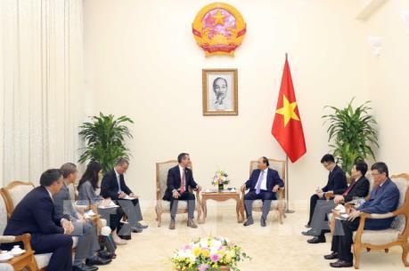 Thủ tướng Nguyễn Xuân Phúc tiếp Thị trưởng thành phố Los Angeles, Hoa Kỳ