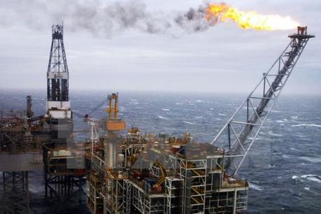 """""""Con bài"""" dầu mỏ của Donald Trump trong cuộc chiến thương mại Mỹ-Trung"""
