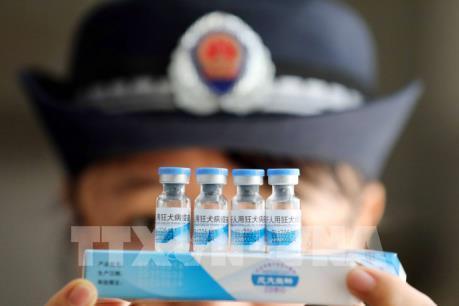 """Cảnh sát Trung Quốc đề nghị bắt giữ 18 người liên quan vụ sản xuất """"chui"""" vaccine"""