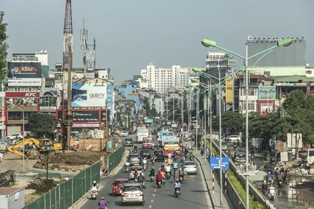 Hà Nội phân luồng giao thông phục vụ lắp đặt dầm cầu vượt nút giao An Dương