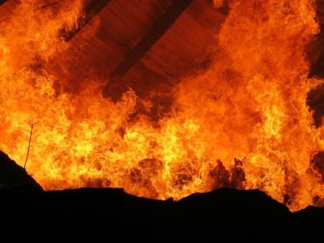 Bình Dương: Kịp thời khống chế một vụ cháy kho hàng ở thị xã Thuận An