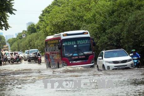 Mưa lớn làm lộ rõ bất cập trong thiết kế hạ tầng thoát nước ở đô thị mới