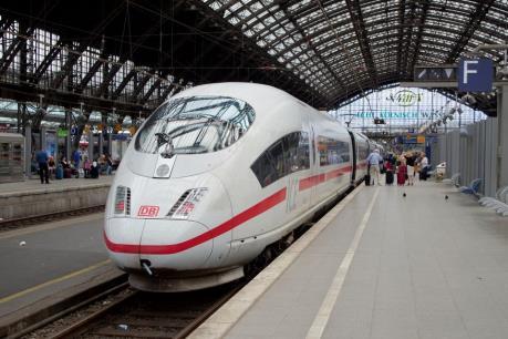 Đức: Phong tỏa tuyến đường sắt cao tốc nối Cologne và Frankfurt do hỏa hoạn