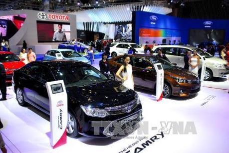 Doanh số bán ô tô toàn thị trường tháng 7 và 7 tháng đều giảm