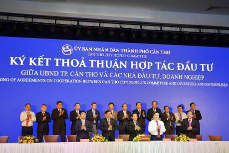 Vietcombank ký thỏa thuận hợp tác tài trợ vốn cho phát triển kinh tế - xã hội Cần Thơ