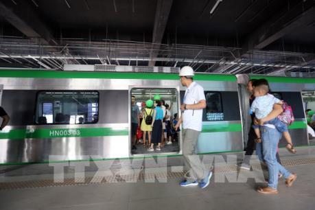 Nghiêm cấm tự ý đưa người lên tàu Cát Linh - Hà Đông
