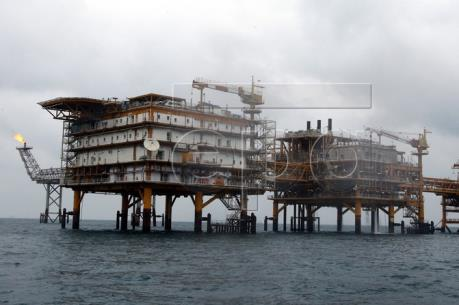 Iran bán dầu mỏ cho các khách hàng châu Á với giá ưu đãi