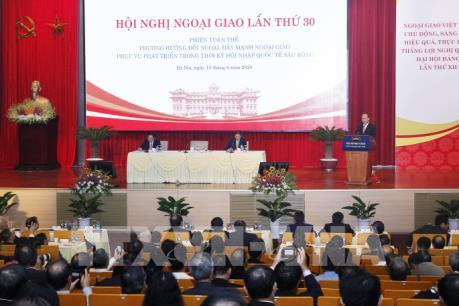 Thủ tướng Nguyễn Xuân Phúc: Công tác đối ngoại cần lấy doanh nghiệp làm trung tâm