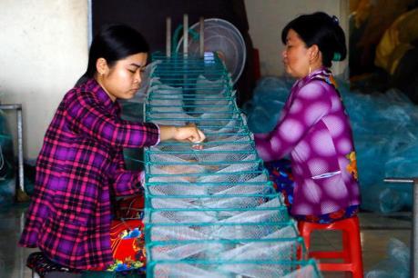Mùa nước nổi ở làng nghề đan lưới – lú Thơm Rơm