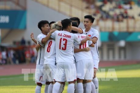 Olympic Nhật Bản - Olympic Việt Nam: Quang Hải ghi bàn mở tỷ số