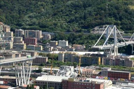 Thảm họa sập cầu chồng chất thêm sức ép tài chính đối với Italy