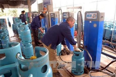 Giá gas tháng 9 tăng lên mức 367.000 - 370.000 đồng/bình 12kg